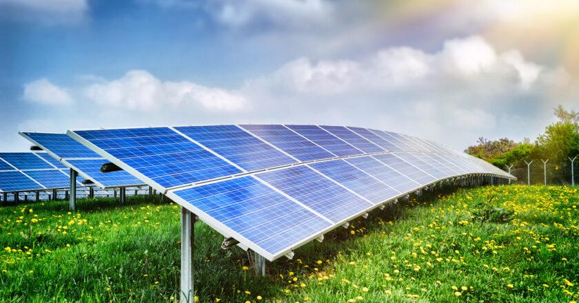 Les panneaux solaires au sol : une alternative efficace