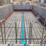 Quelles sont les étapes de construction d'une piscine en béton?